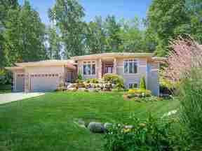 Property for sale at 607 Hamlet'S Cir, Verona,  WI 53593